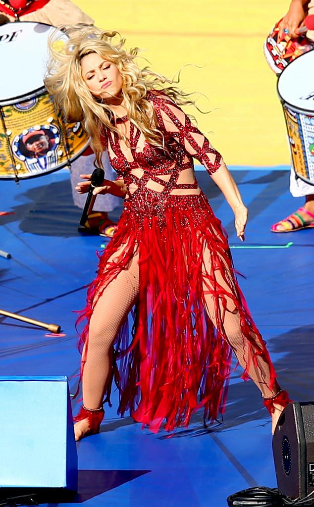 Shakira-Performance-World-Cup-Final.jl.071314